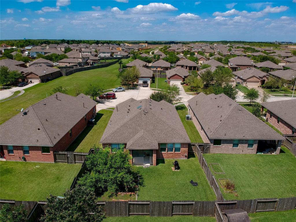 Active | 3213 Carriage Cove Court League City, TX 77539 3