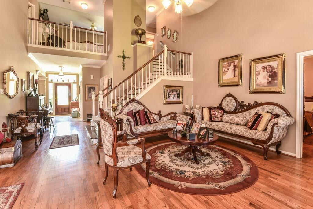 Pending | 4719 Brook Shadow Kingwood, TX 77345 6