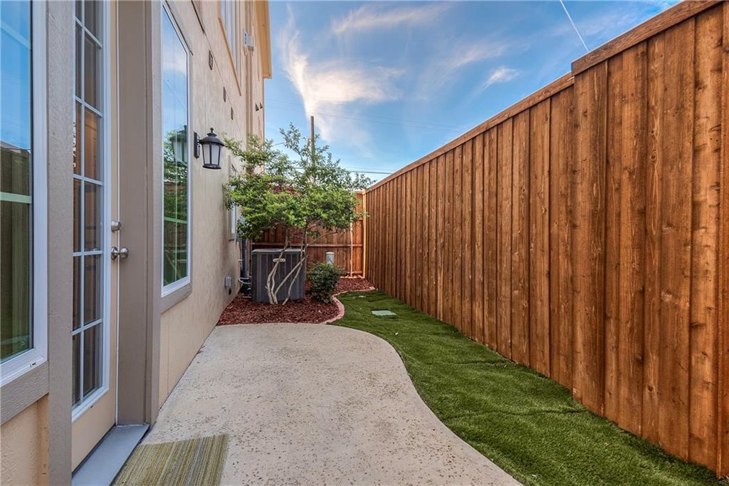 Sold Property | 3639 Azure Court Dallas, TX 75219 22