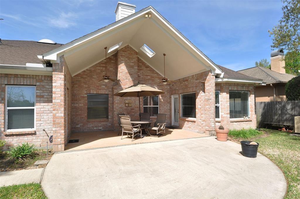 Active   15 New Oak Trail Kingwood, TX 77346 25