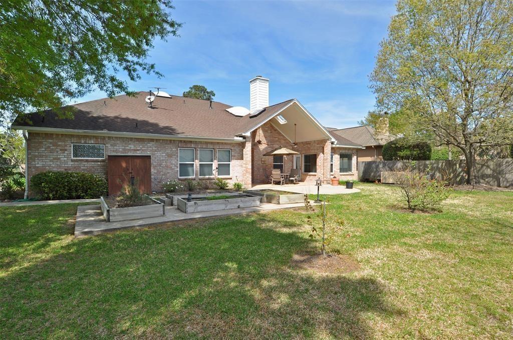 Active   15 New Oak Trail Kingwood, TX 77346 26
