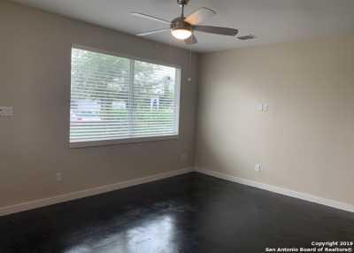 Property for Rent | 913 OGDEN ST  San Antonio, TX 78212 5