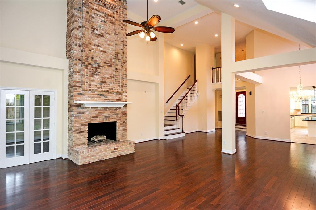 Active | 2014 Wind Creek Drive Kingwood, TX 77345 10