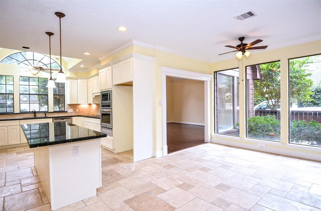 Active | 2014 Wind Creek Drive Kingwood, TX 77345 12