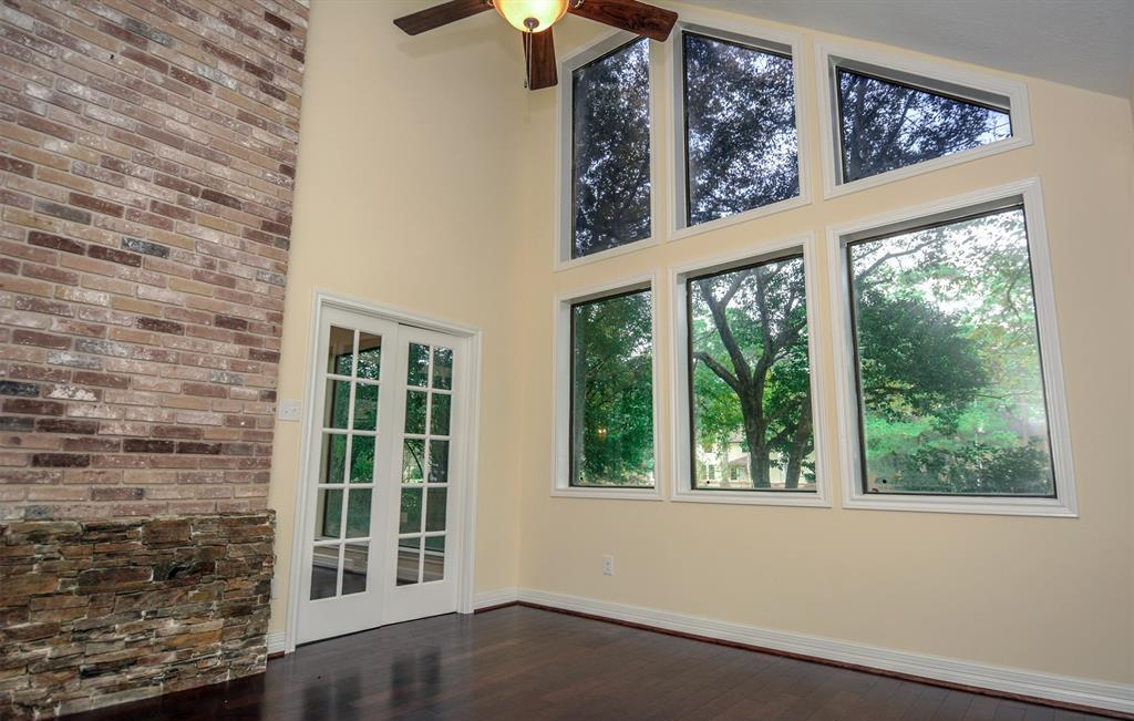Active | 2014 Wind Creek Drive Kingwood, TX 77345 19