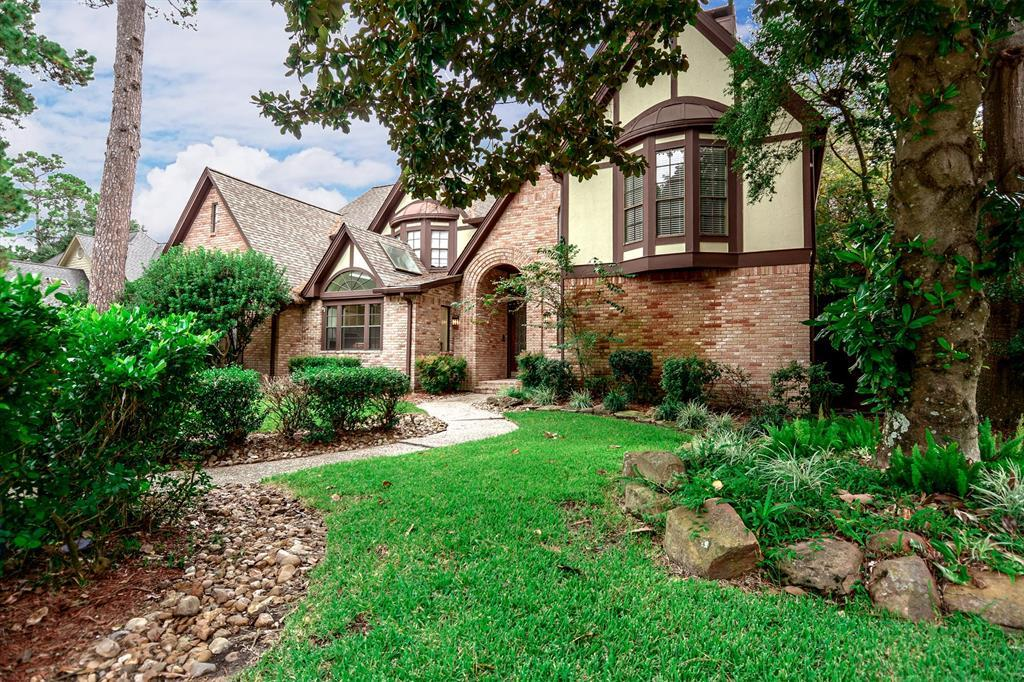 Active | 2014 Wind Creek Drive Kingwood, TX 77345 2