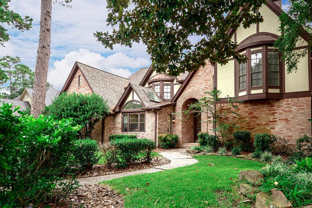 Active | 2014 Wind Creek Drive Kingwood, TX 77345 3