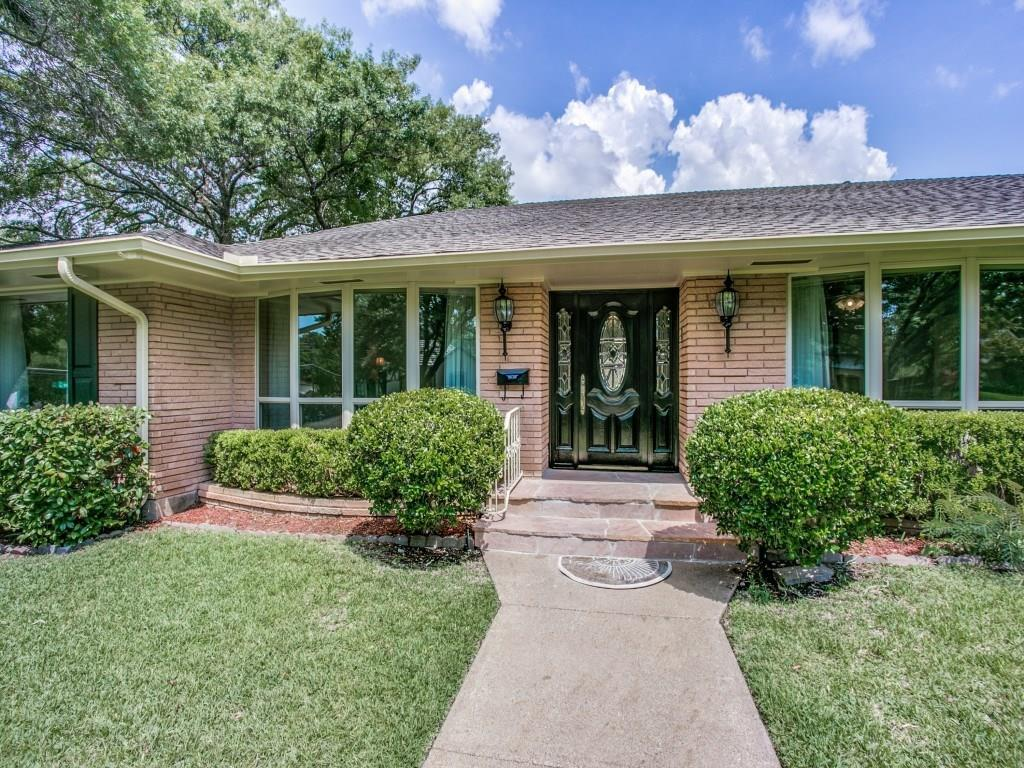 Sold Property | 7111 Greenbrook Lane Dallas, Texas 75214 3