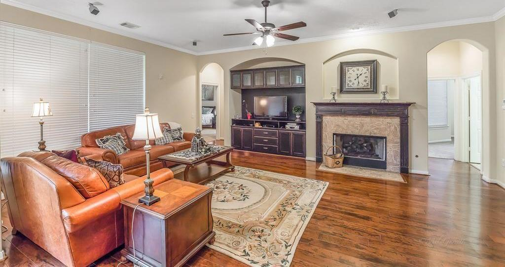 55 plus active community, Gated Seniors Community, Live the Good Life, Heritage Grand Katy, Texas | 5118 Sandyfields Lane Katy, Texas 77494 13