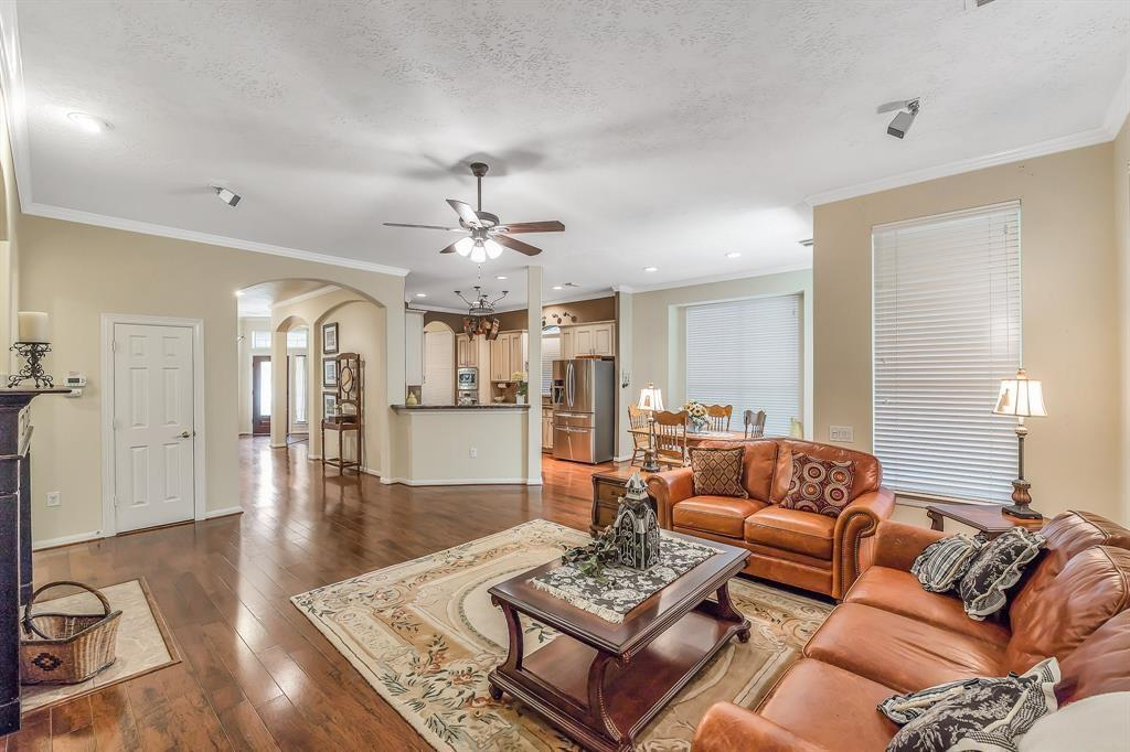 55 plus active community, Gated Seniors Community, Live the Good Life, Heritage Grand Katy, Texas | 5118 Sandyfields Lane Katy, Texas 77494 14