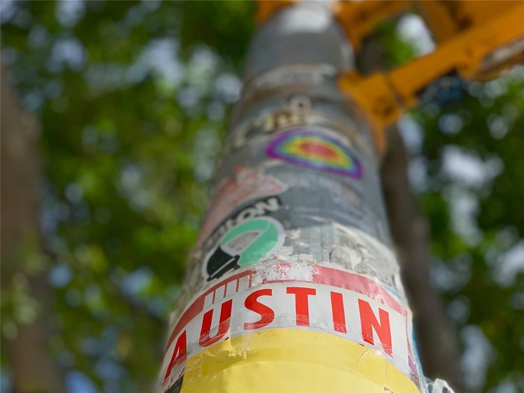 Active   900 S 2nd  Street Austin, TX 78704 20