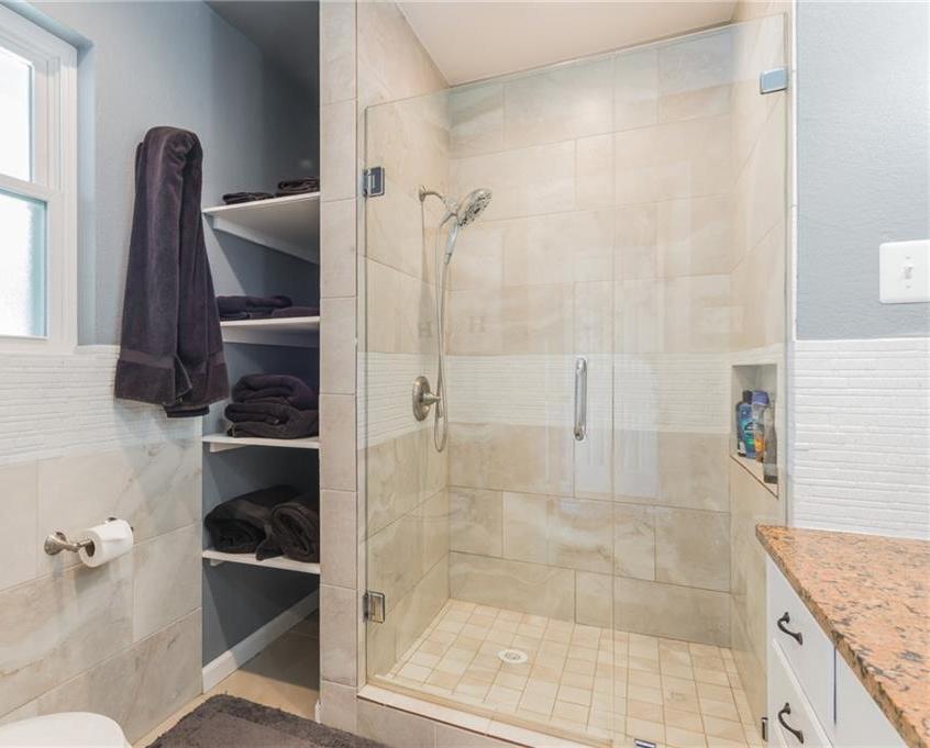 Sold Property   401 Sunfish Street Lakeway, TX 78734 26