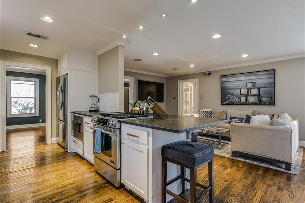 Sold Property | 7016 Irongate Lane Dallas, Texas 75214 12