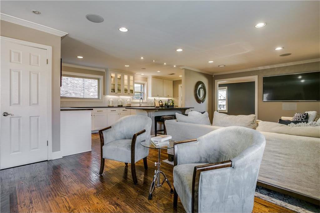 Sold Property | 7016 Irongate Lane Dallas, Texas 75214 7