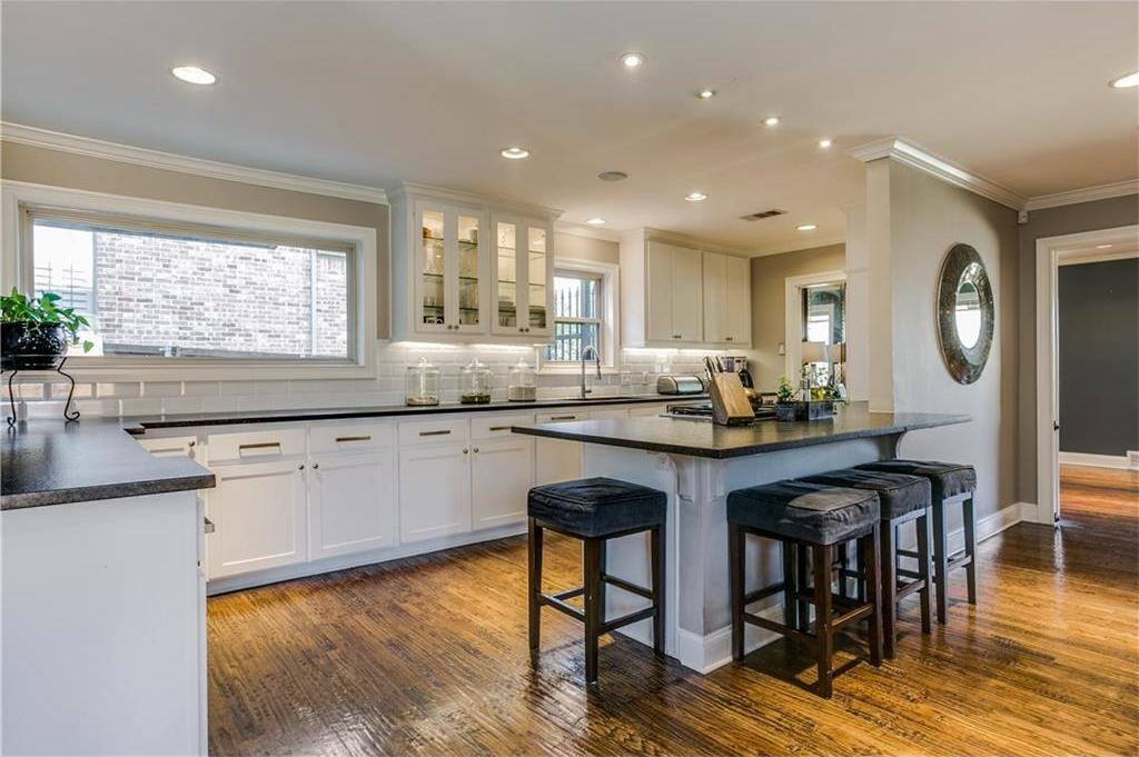Sold Property | 7016 Irongate Lane Dallas, Texas 75214 8