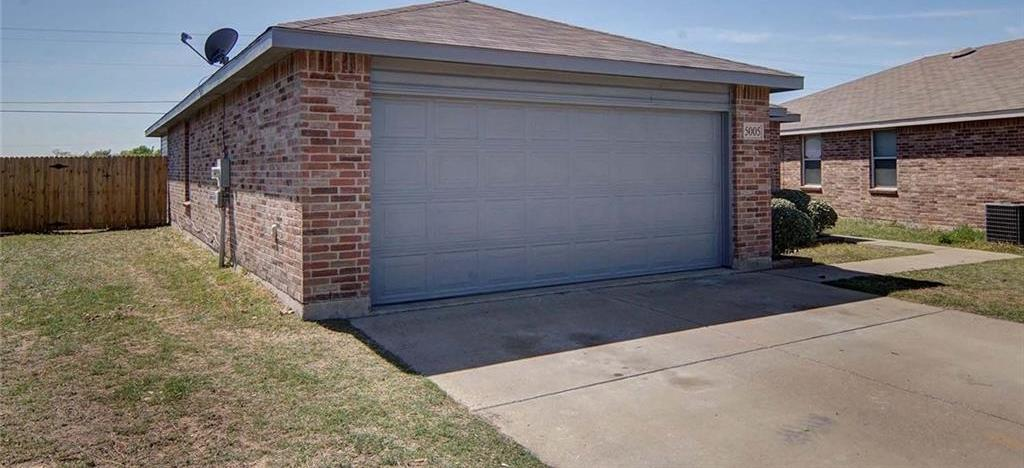 Sold Property | 5005 Village Stone Court Fort Worth, Texas 76179 3