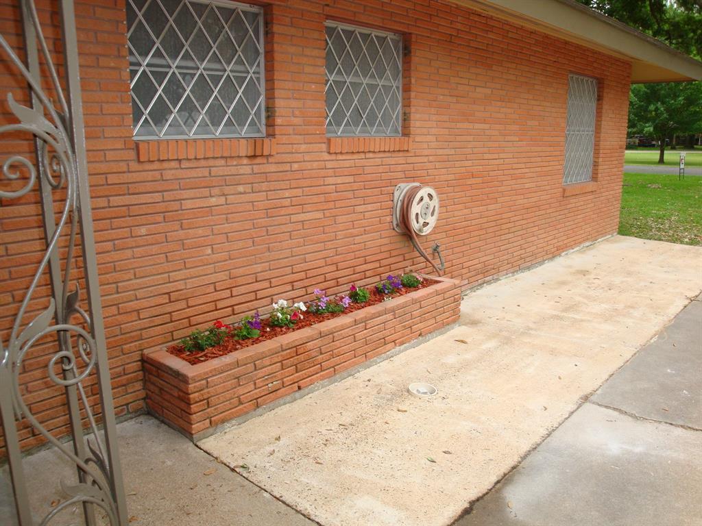 Off Market   1613 Highland Drive Bay City, Texas 77414 30