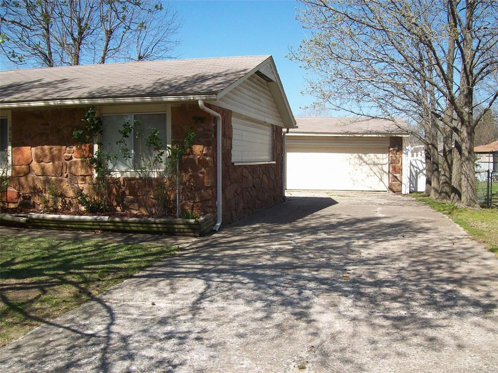 Off Market | 1808 Surrey Drive Pryor, Oklahoma 74361 1