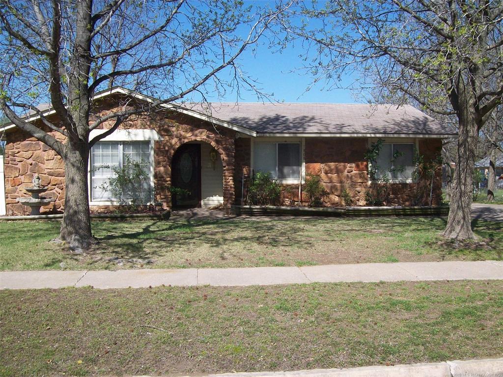 Off Market | 1808 Surrey Drive Pryor, Oklahoma 74361 2