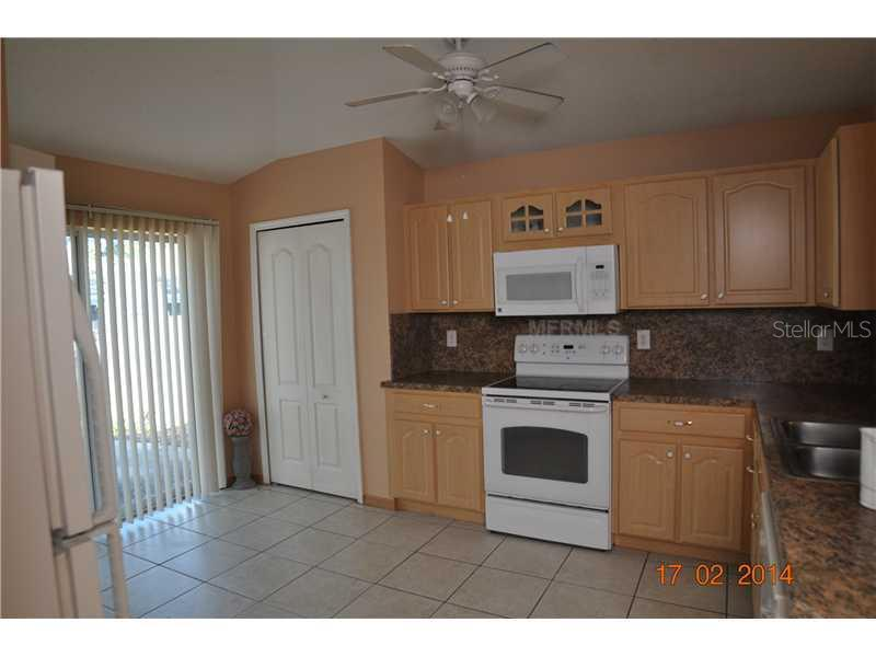 Sold Property | 403 MAPLE POINTE DRIVE SEFFNER, FL 33584 4
