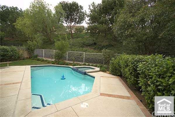 Closed | 13 BROOKTREE  Aliso Viejo, CA 92656 12