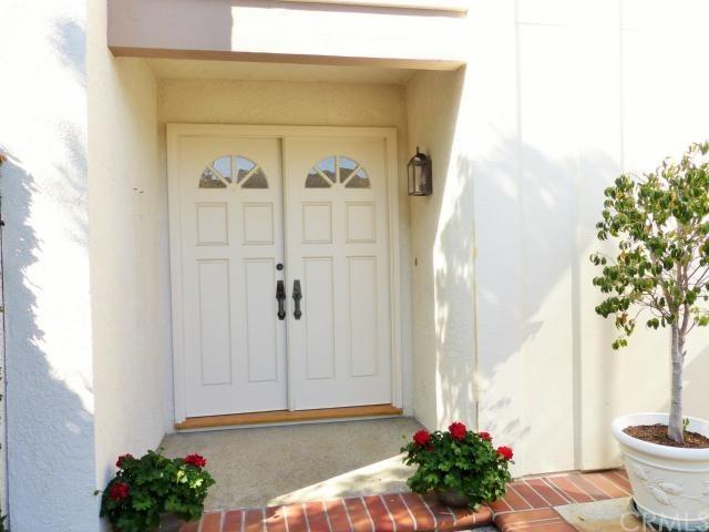 Closed | 4875 Paseo De Vega  Irvine, CA 92603 2