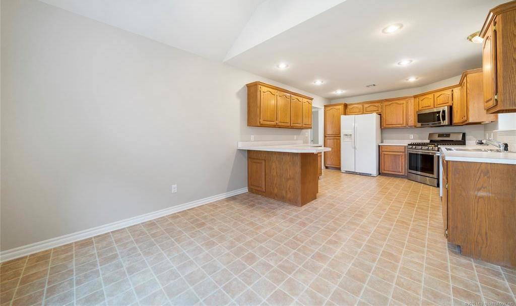 Off Market | 2610 Parkwood Drive Claremore, Oklahoma 74017 12