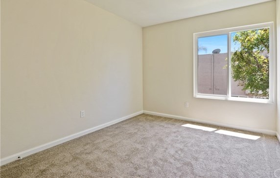 Closed | 700 La Veta Ave  #J3 Orange, CA 92868 11