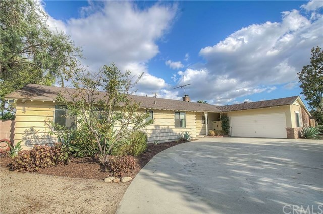 Closed | 1632 Lynoak Drive Claremont, CA 91711 1