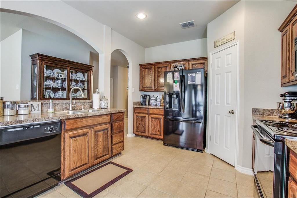 Sold Property | 7028 Seton Hall Drive Fort Worth, Texas 76120 6