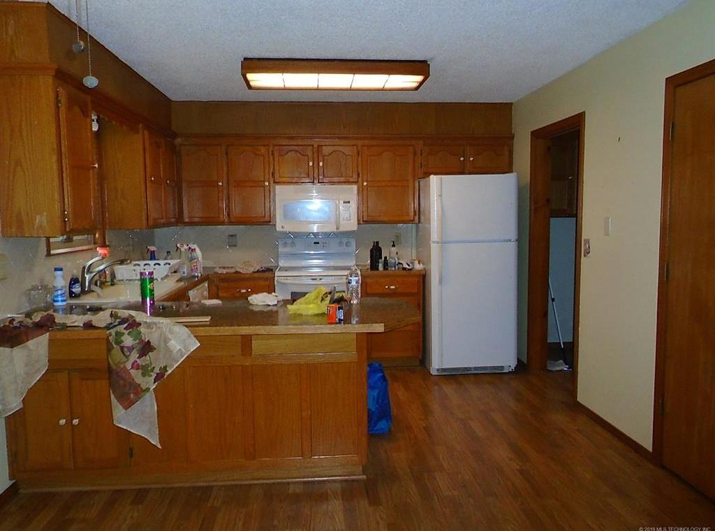 Off Market | 1305 Lakeview Drive Pryor, Oklahoma 74361 3