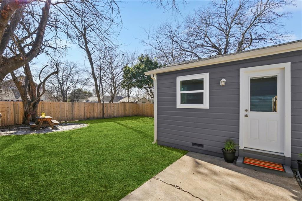 Sold Property   1105 Howell Street McKinney, Texas 75069 32