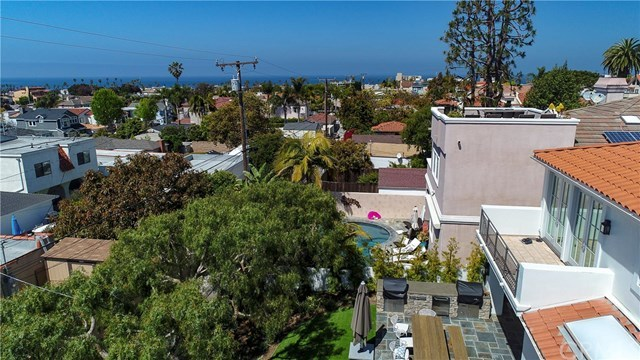 Closed   712 Avenue B  Redondo Beach, CA 90277 28