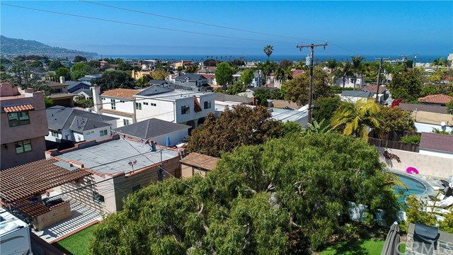 Closed   712 Avenue B  Redondo Beach, CA 90277 29
