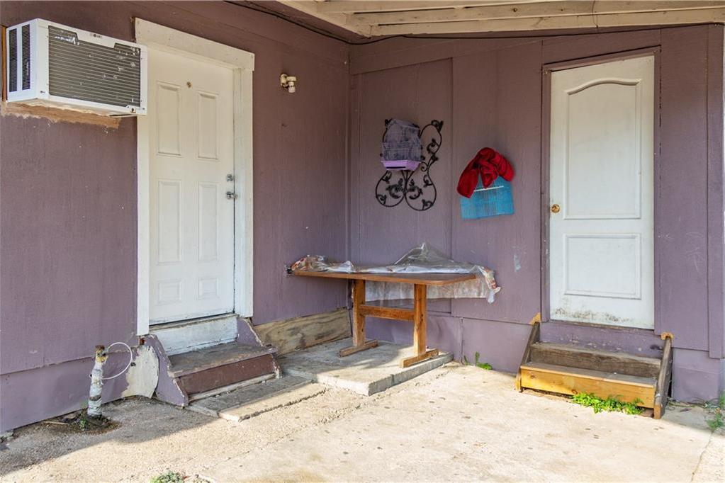 Sold Property   1528 N Montclair  Dallas, TX 75208 4