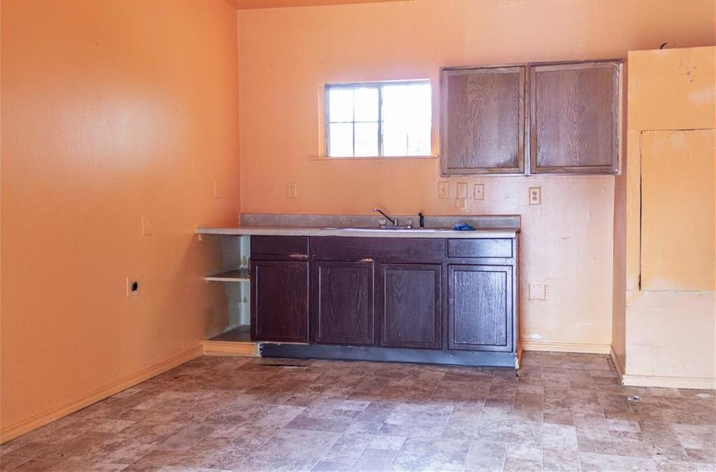 Sold Property   1528 N Montclair  Dallas, TX 75208 5
