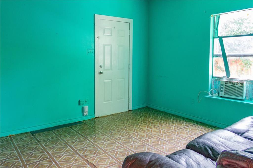 Sold Property   1528 N Montclair  Dallas, TX 75208 7