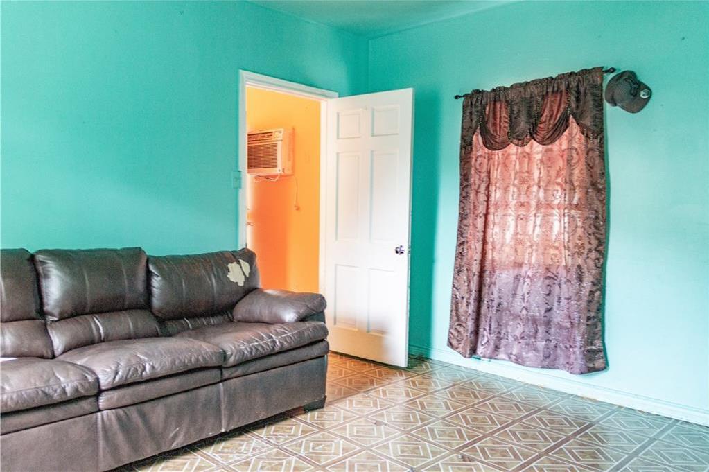Sold Property   1528 N Montclair  Dallas, TX 75208 8