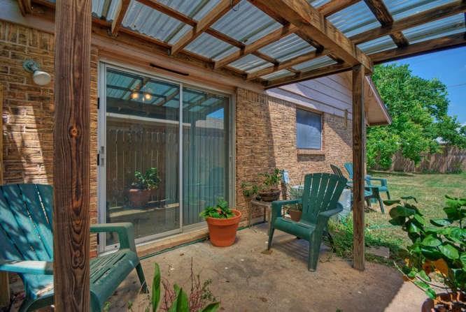 Leased   2800 Thrushwood Drive #B Austin, TX 78757 15