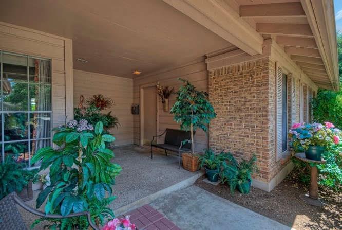 Leased   2800 Thrushwood Drive #B Austin, TX 78757 3