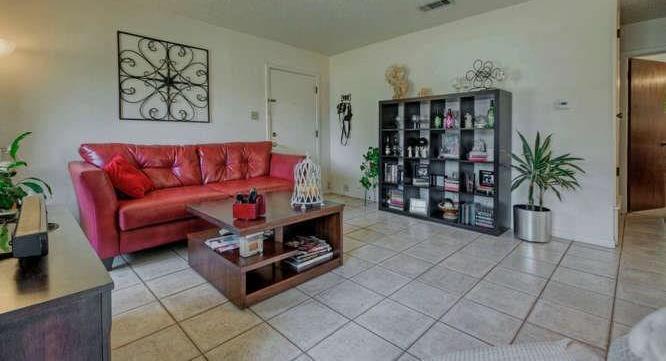 Leased   2800 Thrushwood Drive #B Austin, TX 78757 6