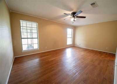 Sold Property | 1211 N Saint James Circle Pilot Point, Texas 76258 12