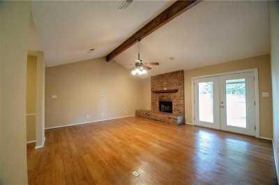 Sold Property | 1211 N Saint James Circle Pilot Point, Texas 76258 8