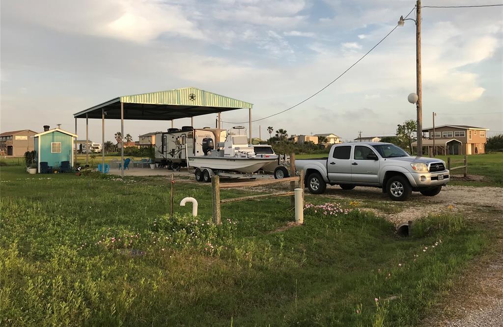 Active | 171 Flamingo Street Sargent, Texas 77414 4