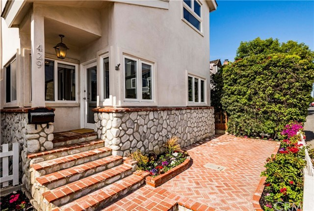 Closed | 429 35th street  Manhattan Beach, CA 90266 8
