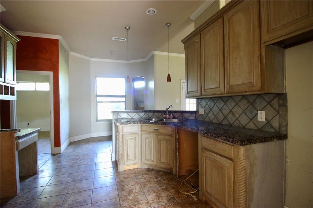Sold Property | 212 Woodbine Drive Burleson, Texas 76028 3