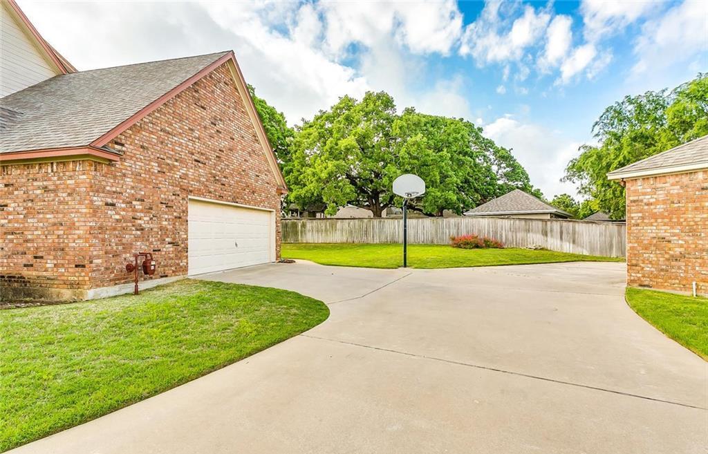 Sold Property | 904 Oak Crest Court Burleson, Texas 76028 3