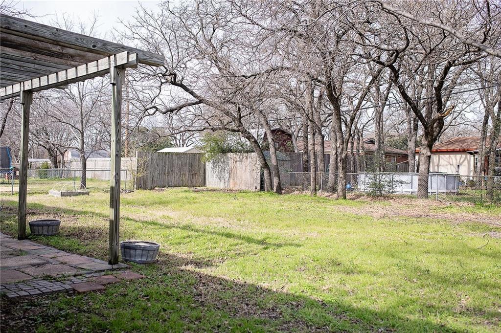 Leased   341 James Lane Bedford, Texas 76022 21