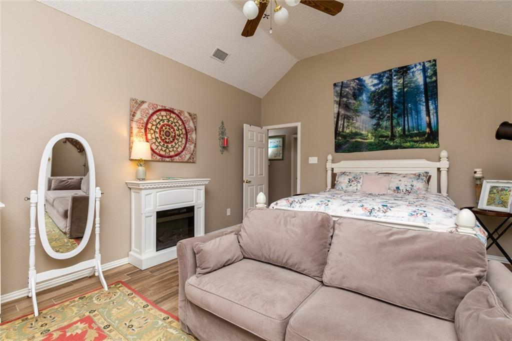 Sold Property | 520 Sir Roland Drive Grand Prairie, Texas 75052 16