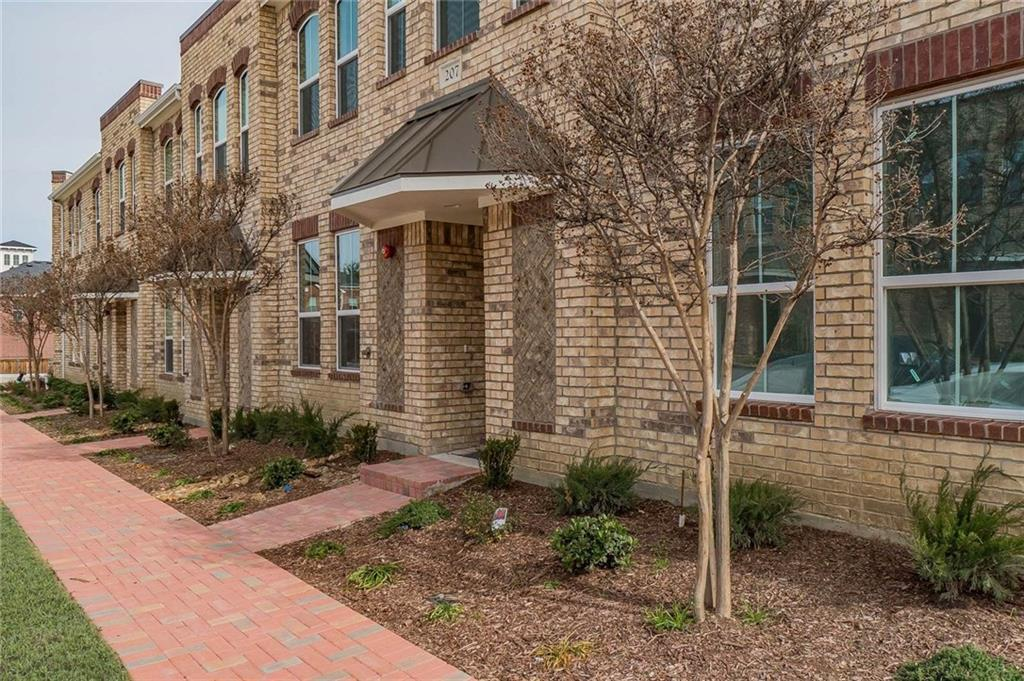 Sold Property   216 Emma Drive Lewisville, Texas 75057 2